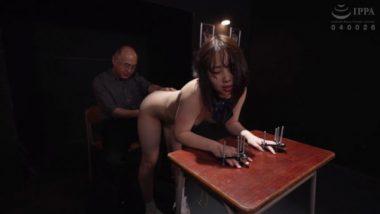 指拘束をされながら陵辱される篠原りこ