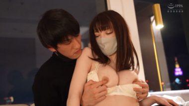 清楚人妻系マスク美女このはの乳首を弄る