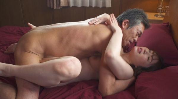 強姦魔と人妻・河北はるなの濃厚セックスシーン。